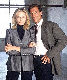 Robert Davi & Ally Walker in Profiler